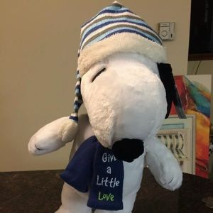 """Peanuts Snoopy  """"Give A Little Love"""" 2017 Plush"""